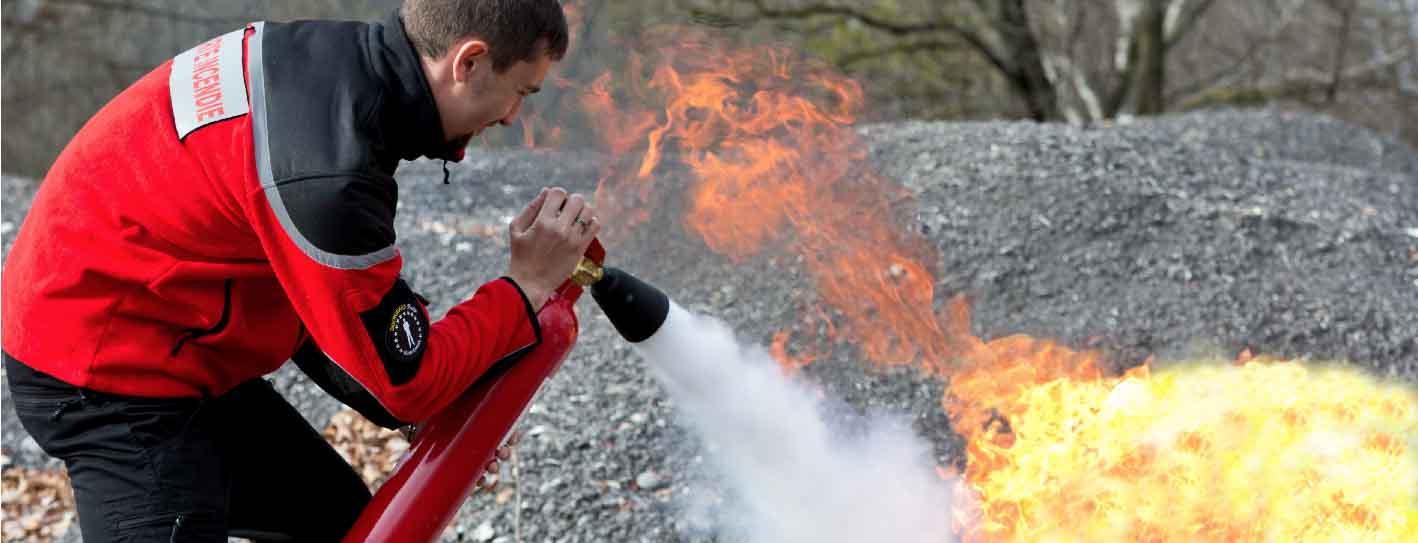 Photo agent de sécurité incendie